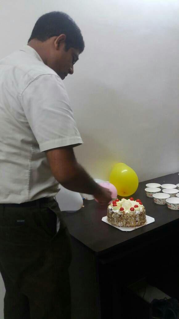 1_Year_CakeCutting